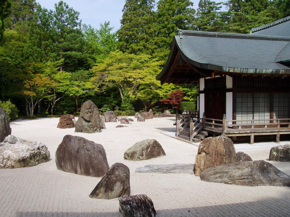 Kongobuji_Temple,_Koyasan,_Japan_-_Banryutei_rock_garden